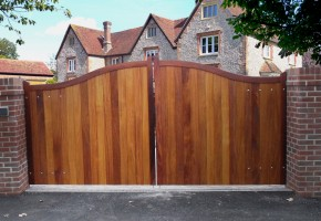Hardwood Balmoral Entrance Gates